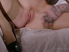 Pin Up Lesbian (SweetHeartVideo)
